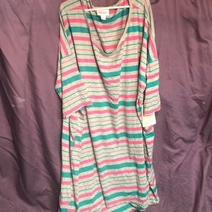 Pink and teal stripe on grey tunic!